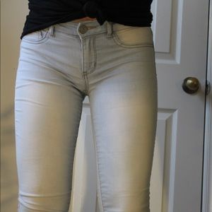 👖👖Light washed blue SO skinny jegging jeans